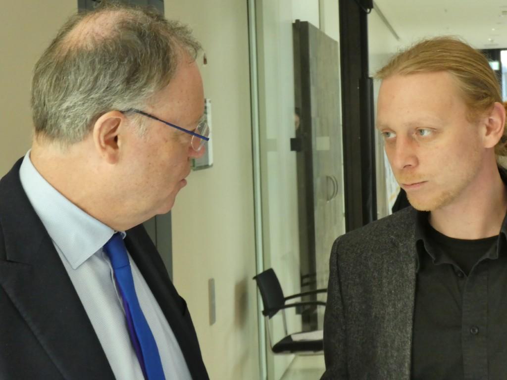 Schlemeyer vertieft ins Gespräch mit unserem Landesvater Stephan Weil
